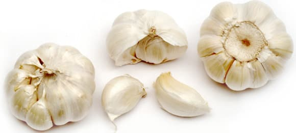 garlic-bulbs-and-cloves